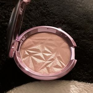 Becca lilac geode special addition